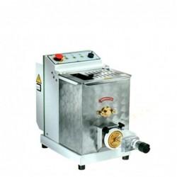 Macchina professionale per pasta fresca – Produzione oraria 13 Kg. – Capacità vasca Kg. 4